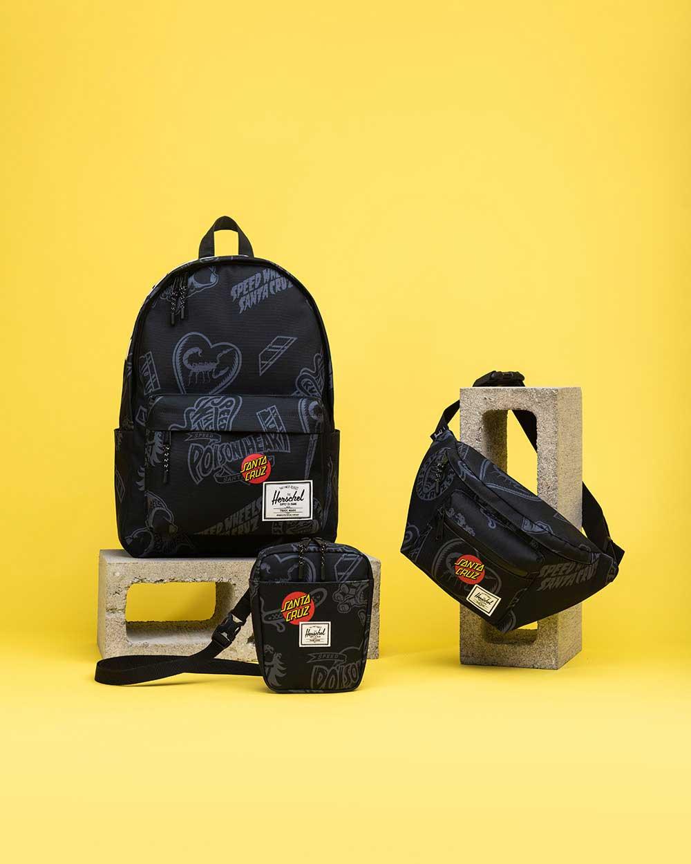 Un sac à dos Santa Cruz Classic XL, un sac bandoulière Cruz et un sac banane Seventeen avec imprimé noir Speed Wheels